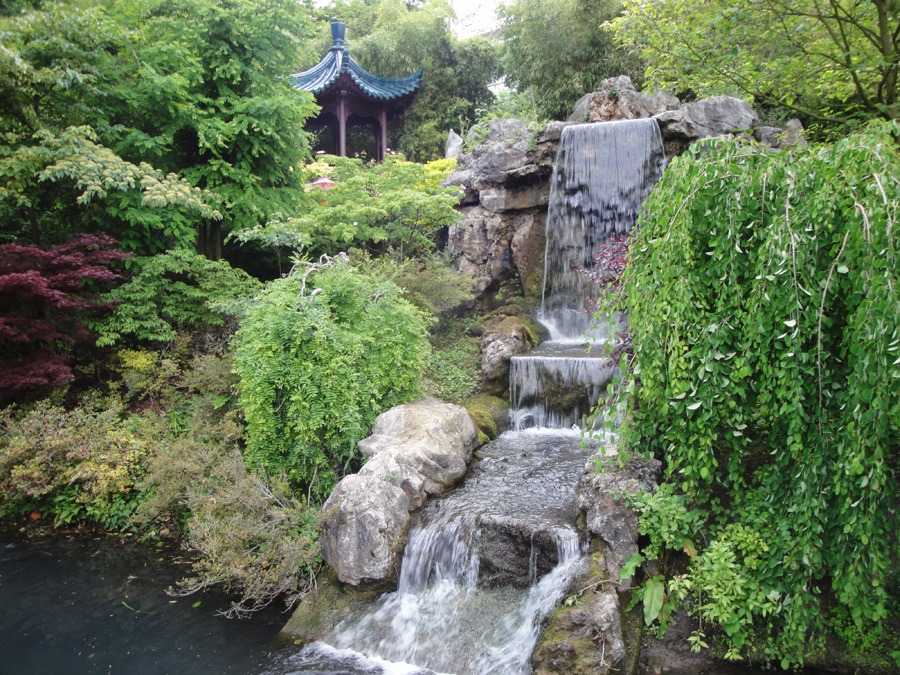 bonsai-garden-waterfall